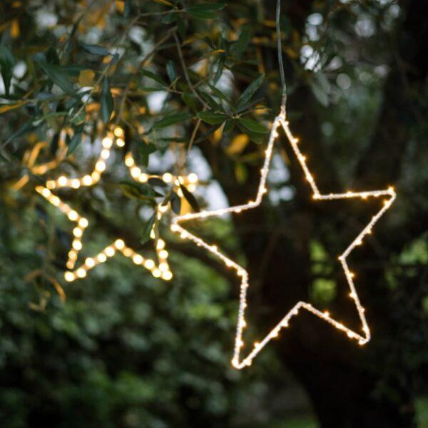 Etoile lumineuse led à suspendre en extérieur pour éclairer avec style vos  arbres. Déco lumineuse