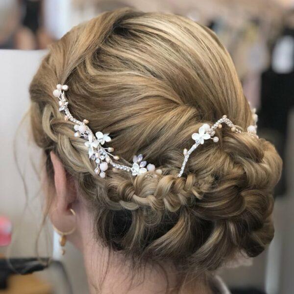 Accessoire cheveux , tiare romantique avec touches de rose. Acheter bijou  de tête mariée boutique