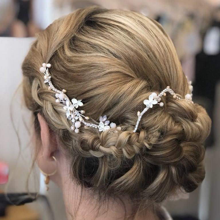 Accessoire cheveux , tiare romantique avec touches de rose