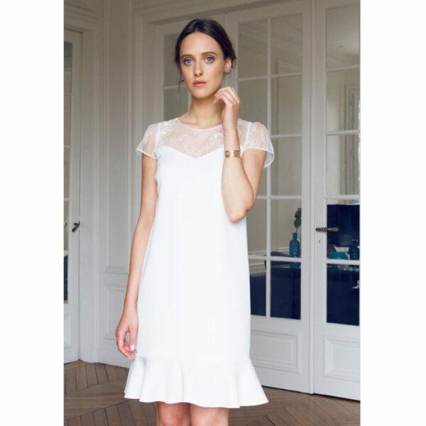 1f64a13c269 Atelier Camille - Robe courte blanche Gaspard. Robe de mariée manches courte  simple et droite